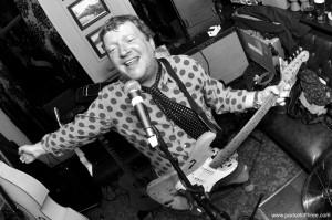 2010-05-25 Glenn Tilbrook live at the Hope & Anchor, Charlton