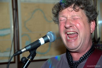 Glenn Tilbrook and the Fluffer – 4 January 2011 – live at the Anchor & Hope, Charlton