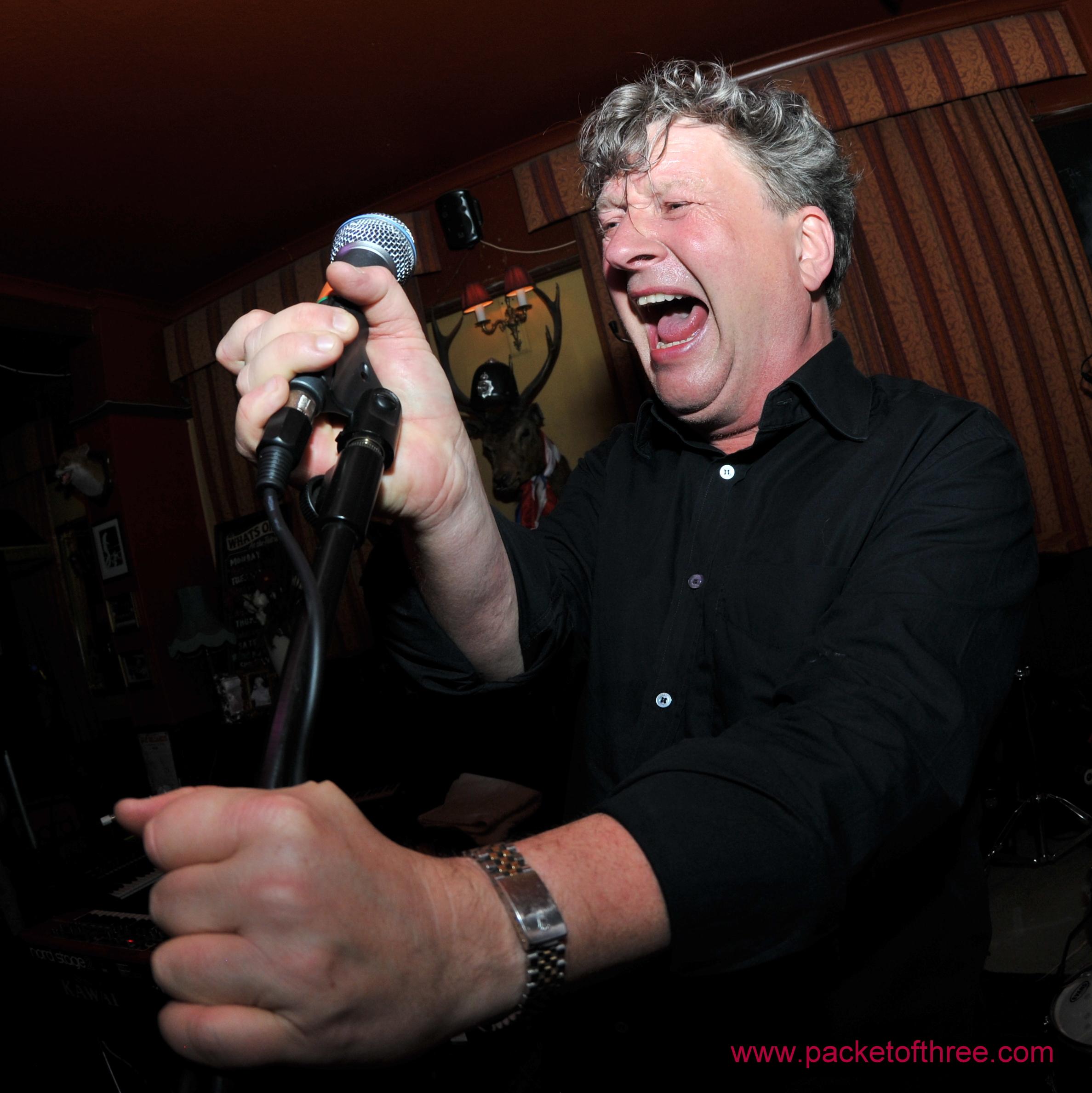Glenn Tilbrook - The Pelton Arms